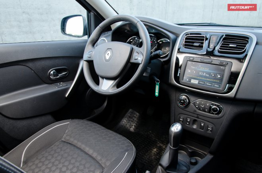 Renault Logan 2013 interior