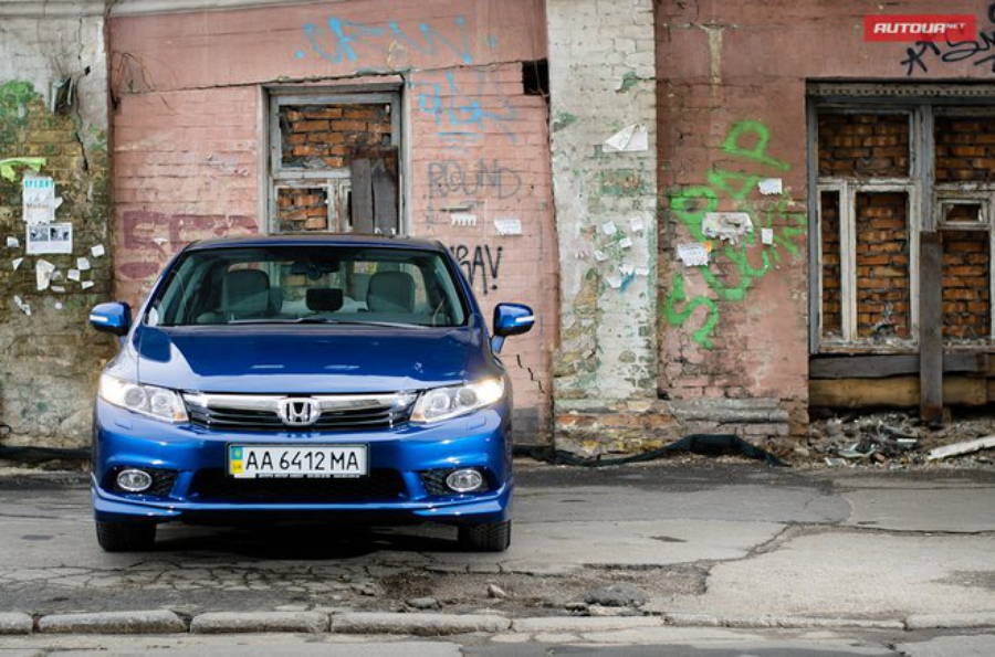 Тест-драйв Honda Civic седан (Хонда Цивик седан) экстерьер 1