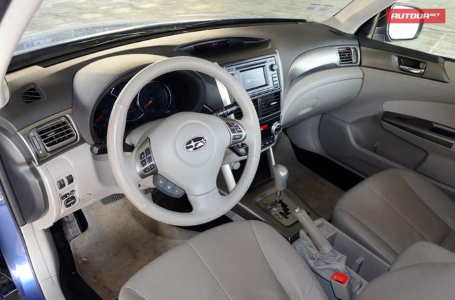 Тест-драйв Subaru Forester (Субару Форестер) интерьер 1