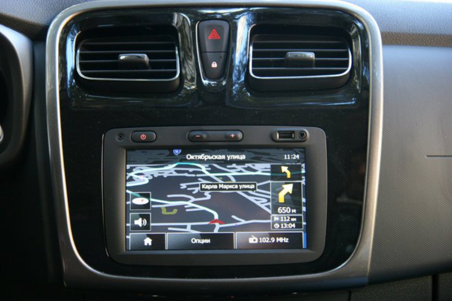 Renault Logan Media Nav