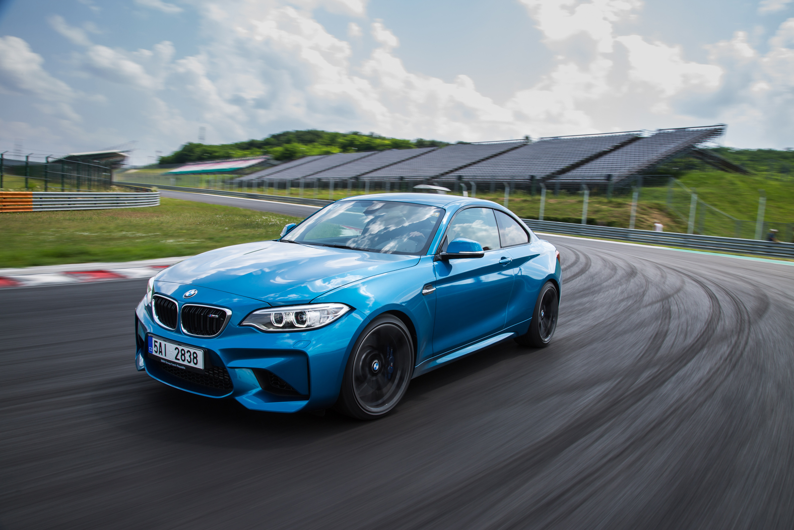 """Тест-драйв BMW M2: Аватар, старик и """"крошка на миллион"""""""