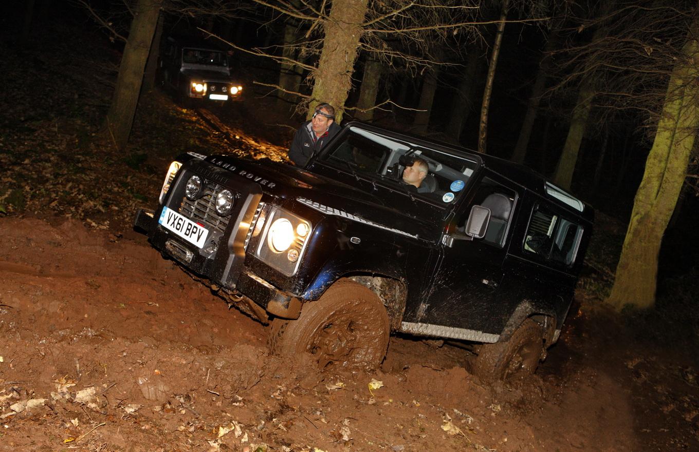 Тест-драйв Land Rover Defender: не все динозавры вымерли