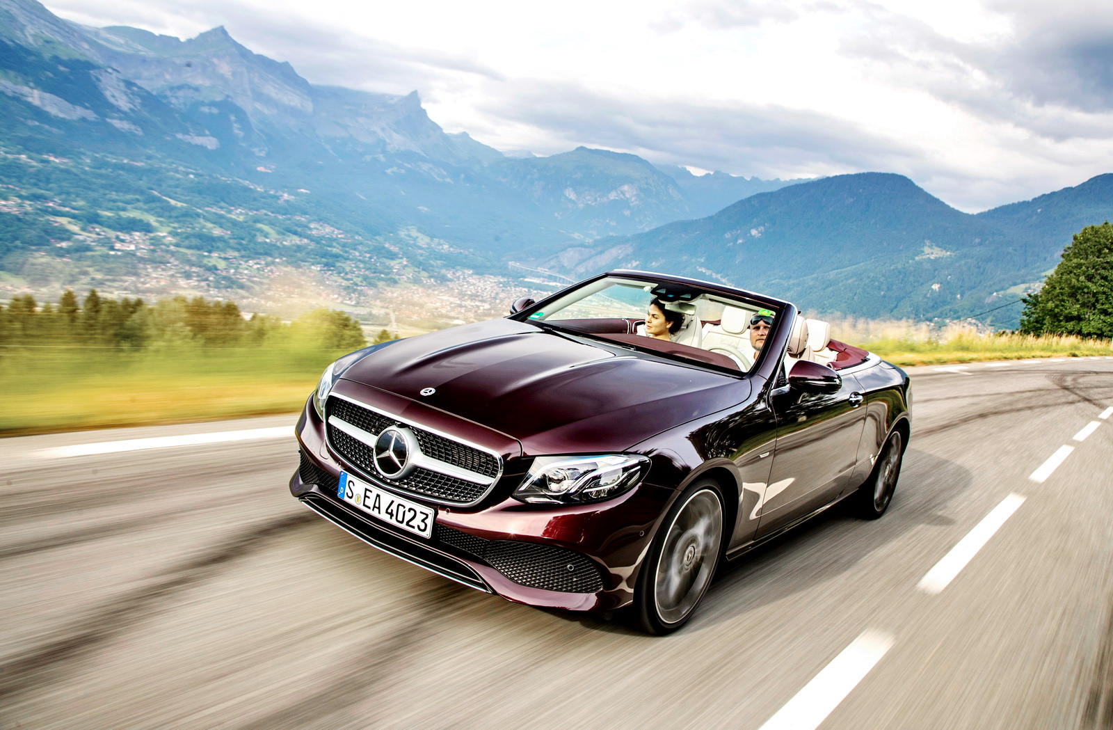 Тест Mercedes E 400 4Matic Cabrio 25th Anniversary: вдогонку за закатом