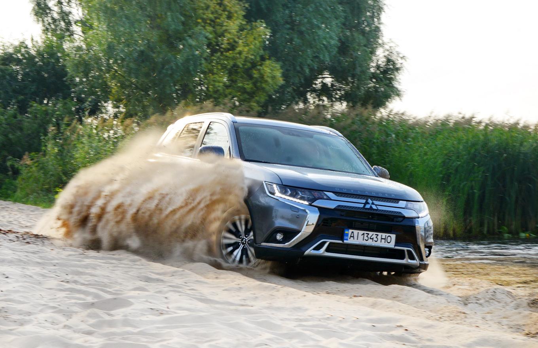 Первый украинский тест Mitsubishi Outlander: переиздание бестселлера