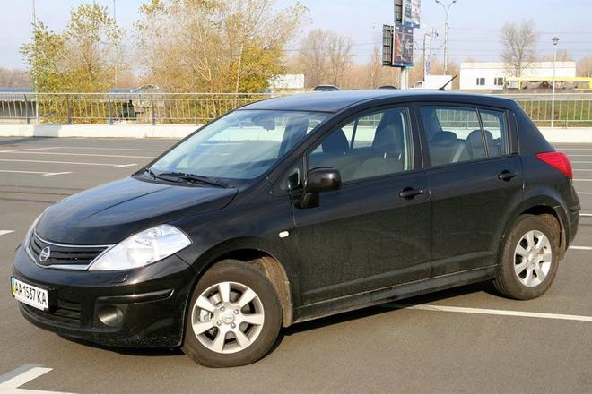 Nissan Tiida — классический городской автомобиль