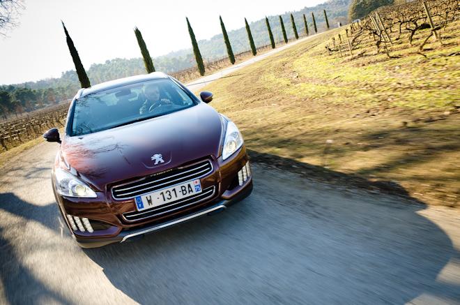 Peugeot 508 RXH — первый тест первого дизель-электрического универсала