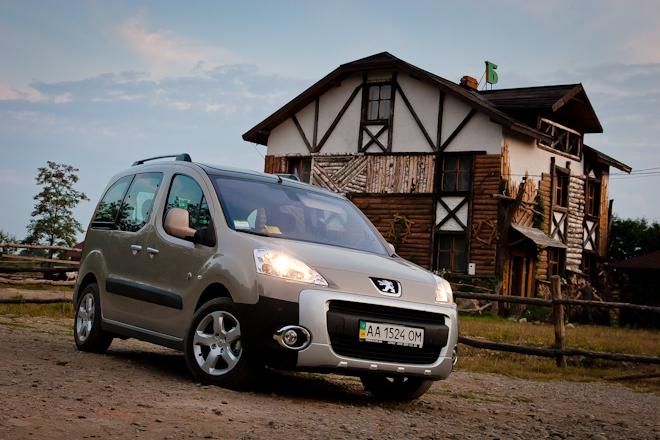 Первый тест-драйв Peugeot Partner Tepee — семейный «каблучок»