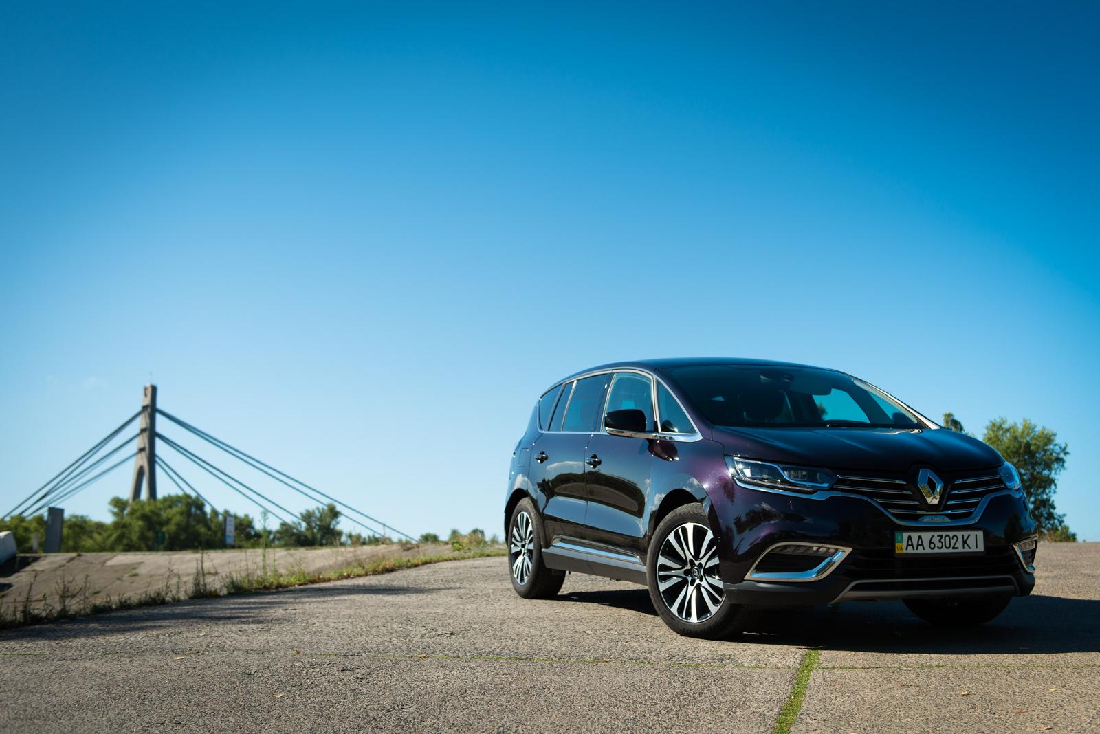Renault Espace Initiale Paris: семейный тест