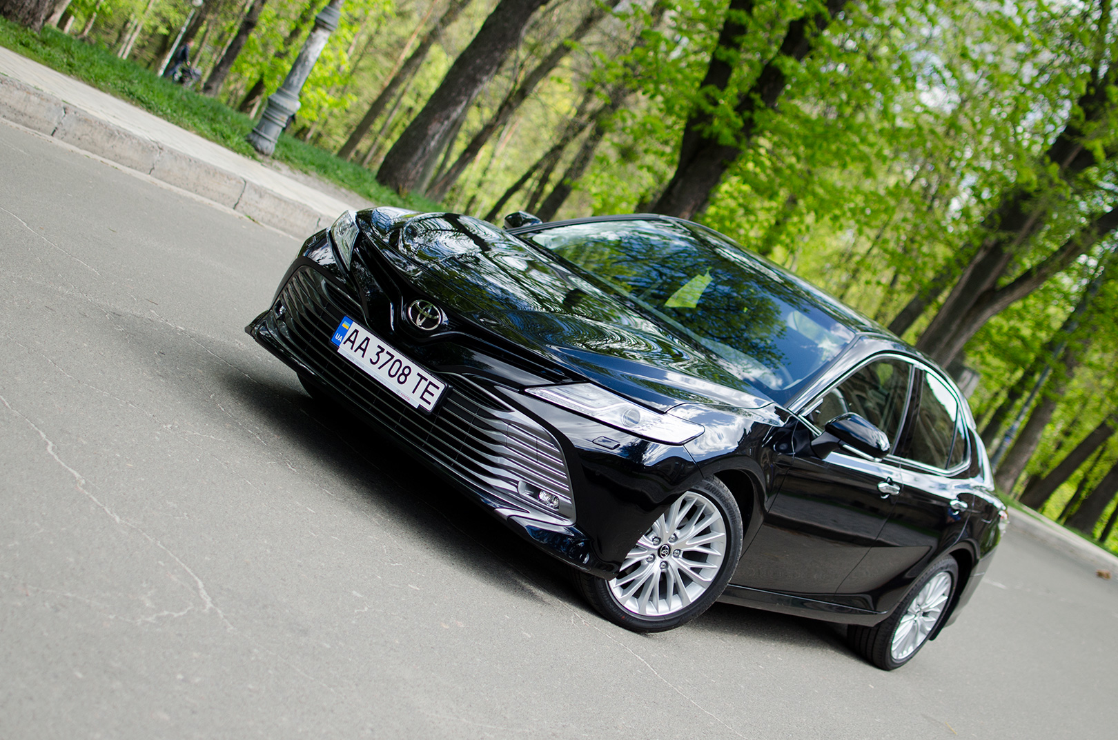 Тест-драйв Toyota Camry 2018: прежний мотор и новые ощущения