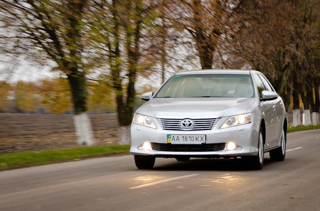 Первый тест-драйв Toyota Camry 2012 — еще раз в бизнес-класс