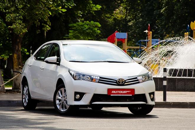 Тест-драйв Toyota Corolla 2014 — некуда спешить
