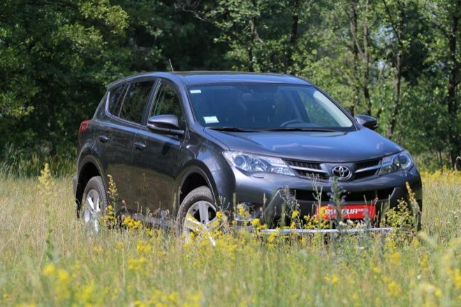Тест-драйв Toyota RAV4 2013 — встречают по одежке, провожают по уму